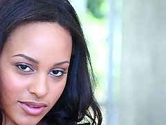 Kaylia Cassandra the pretty black babe in close-up video