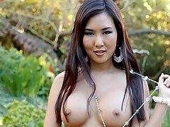 Gorgeous Asian honey Vivian Keys loves the nature