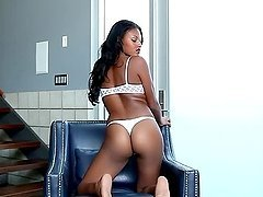 Teresa Ransom the ebony babe shows her perfect ass