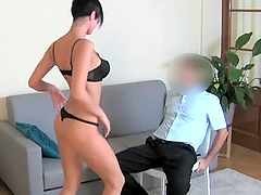 Juicy brunette babe gets naked and fucks in the casting