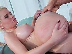 Hardcore cunt fuck on massager table with busty blonde