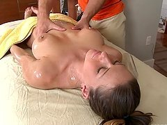Rachel Roxxx gets her snatch pounded from behind after massage