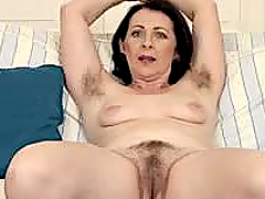 Hairy Mature lady gets nailed deep in side her tight twat