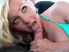 Blonde cutie rubs her twat and gives BJ in a car for cash