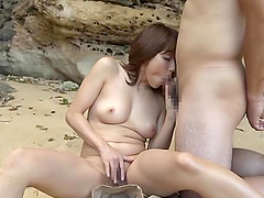 Yuuko Shiraki poses naked and gets nailed at a beach