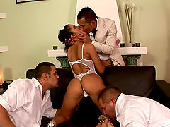 Lucy Belle Enjoys the Anal Fucking and Blowjobs with Three Cocks