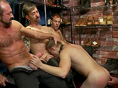 Cute Micah Andrews Serves Blowjobs To Lusty Gay Dudes
