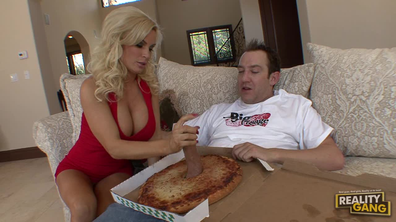 Sexy Diamond Foxxx Gets Her Big Sausage Pizza Special