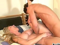 Blonde cougar Lisa Demarco gets her pussy slammed remarcably well